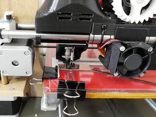 dibujando las pistas para fabricar un circuito impreso