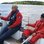 2 voksne (Hans og Henrik) på den neutraliserede vej ned af Roskilde Fjord.JPG