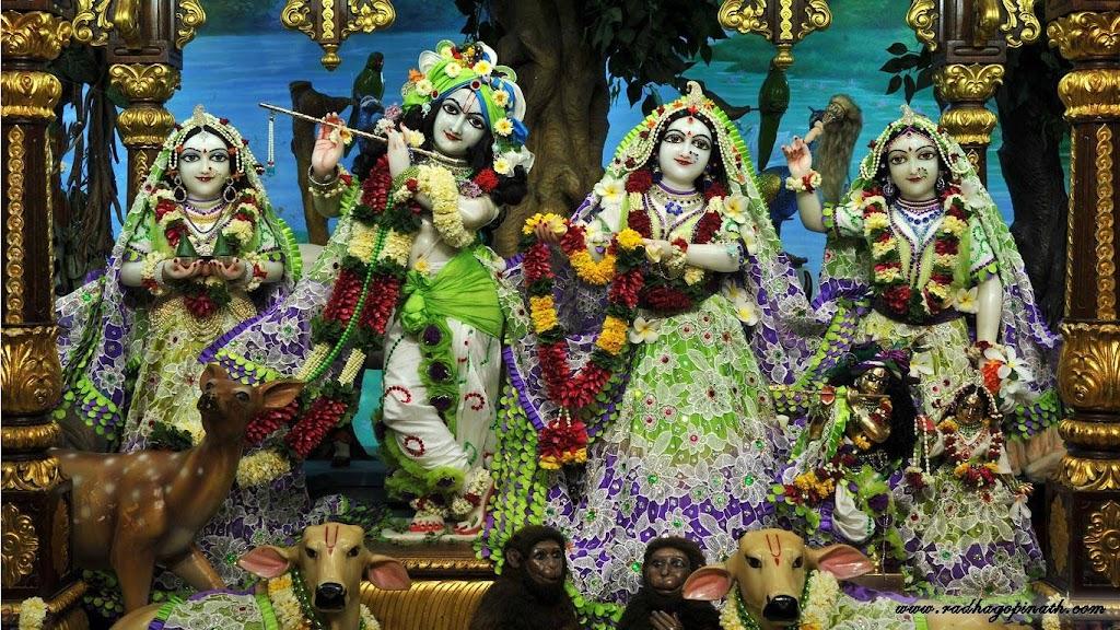 ISKCON Chowpatty Deity Darshan 15 Mar 2016 (2)