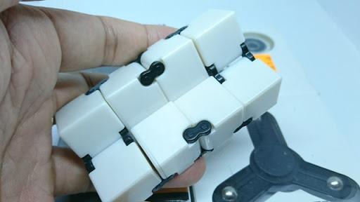 DSC 6035 thumb%255B2%255D - 【フィジェット/Fidget】次世代フィジェット「Fidget Infinity Cube (フィジェット・インフィニティ・キューブ)」&「ハンドフィジェットスピナー2種」レビュー。無限パワー!?