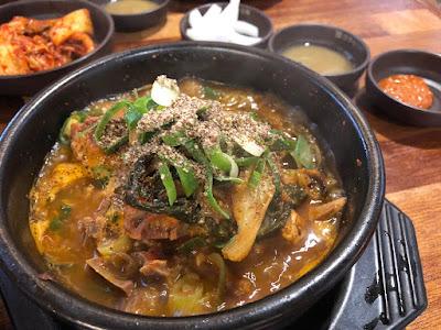 ☻遊韓美食☻景福宮站的石鍋豬骨湯