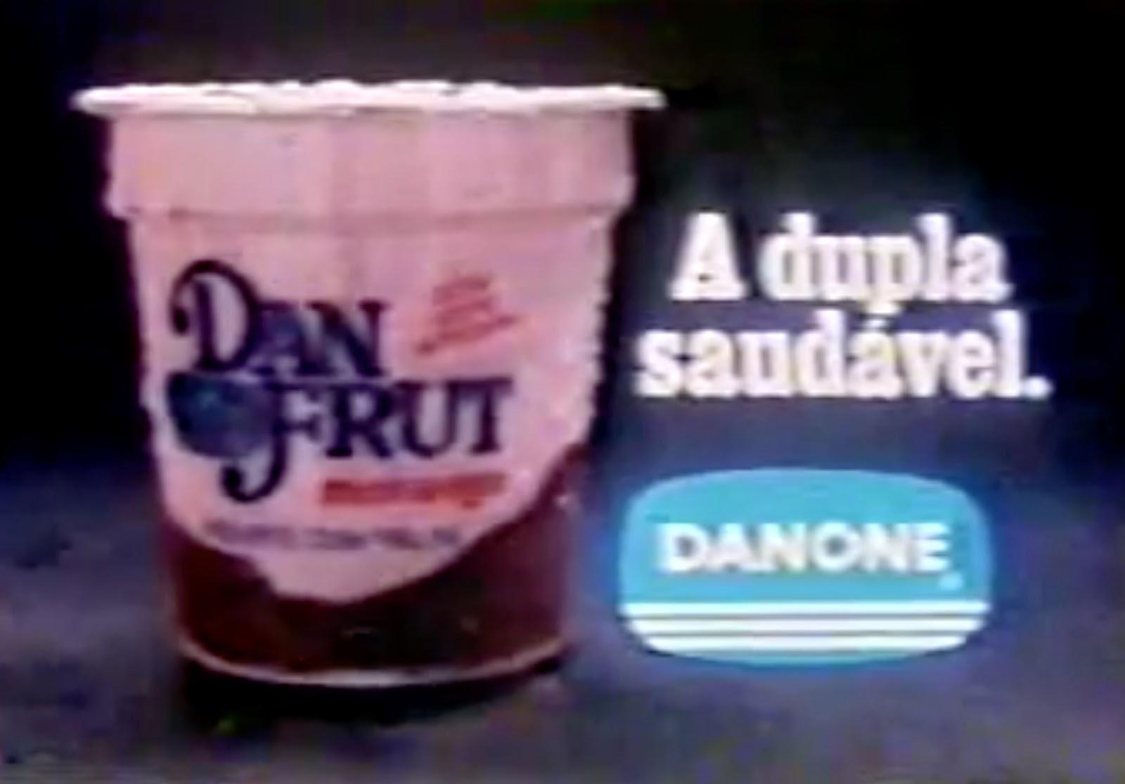 Propaganda antiga da Danone promovendo o iogurte Dan Fruit em 1983