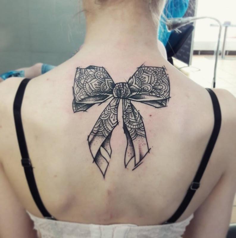esta_bonita_esboço_arco_de_estilo_de_tatuagem