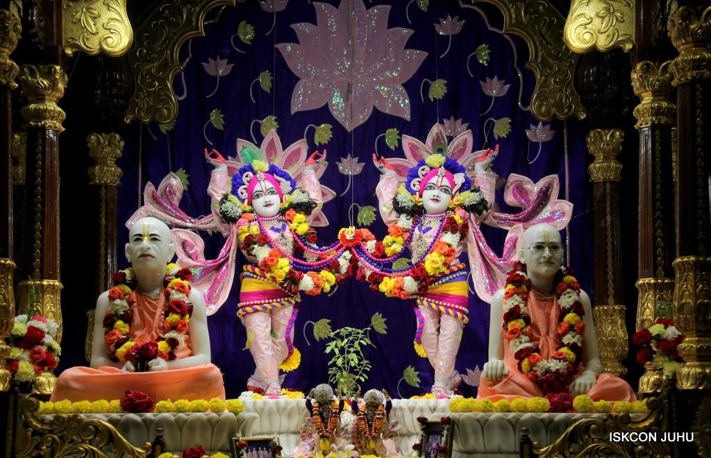 ISKCON Juhu Sringar Deity Darshan 5 Jan 2017 (29)