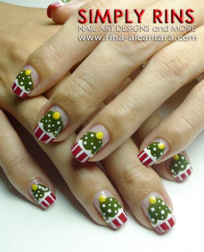 Christmas Tree Nail Art: Nail Art Tutorial: Christmas Tree Cupcakes