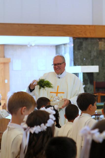 1st Communion May 9 2015 - IMG_1085.JPG