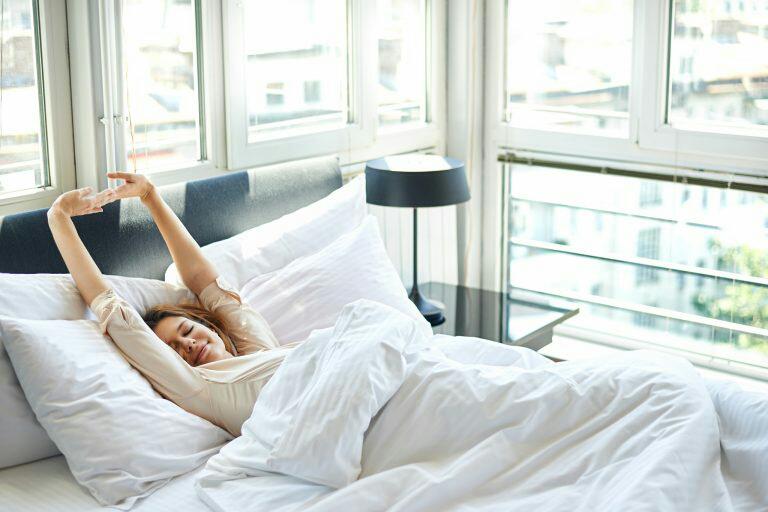 Dijamin Bangun Pagi Lebih Awal, Lakukan 5 Hal Ini
