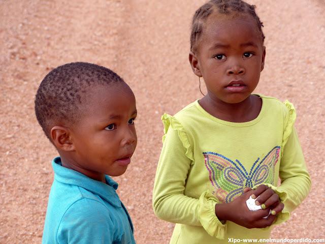 niños-namibia.JPG