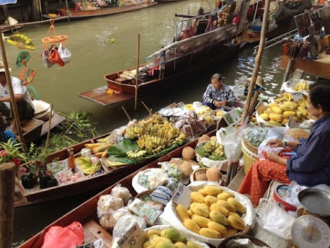 Guide to Damnoen Saduak Floating Market (Bangkok)