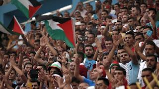 Les fans du Celtic Glasgow rendent un vibrant hommage à la Palestine en marge d'un match de Ligue des champions