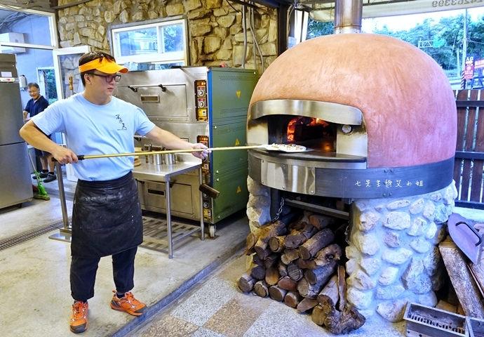 6 台中夜景餐廳 不夜天窯烤披薩 麵包