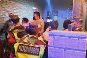 Bersama Satgas Covid-19 Kabupaten Purwakarta Kodim 0619/PWK Imbau Pelaku Usaha Tingkatkan Disiplin Protkes