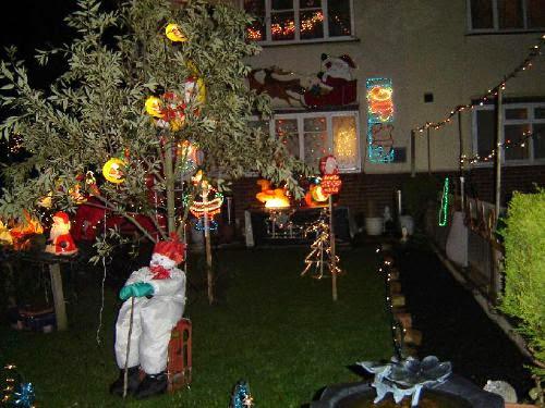 Christmas Lights 2005 - xmaslights2005061.jpg