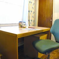 Room 04-desk