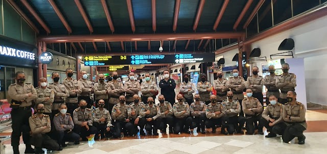 100 Resimen Vaksinator Covid-19 Polri, Diberangkatkan ke PON XX Papua