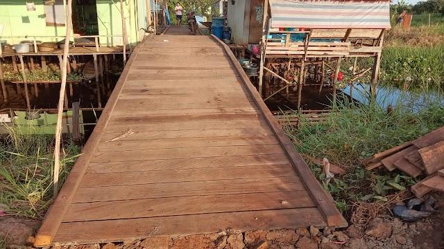 Pembangunan Jembatan Penyeberangan di Dusun Lumpur Selesai