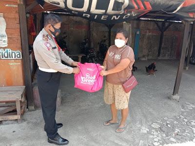 Peringati HUT RI 75 Tahun Polsek Tambun - Polres Meteo Bekasi Bagikan Warga Masker Dan Sembako