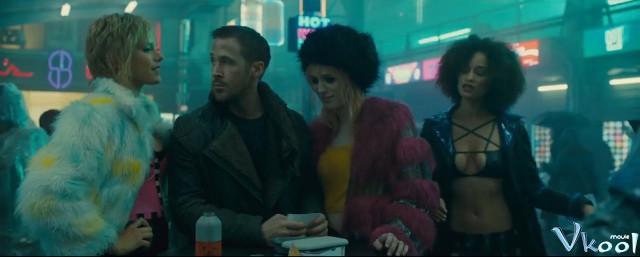 Xem Phim Tội Phạm Nhân Bản 2049 - Blade Runner 2049 - phimtm.com - Ảnh 4