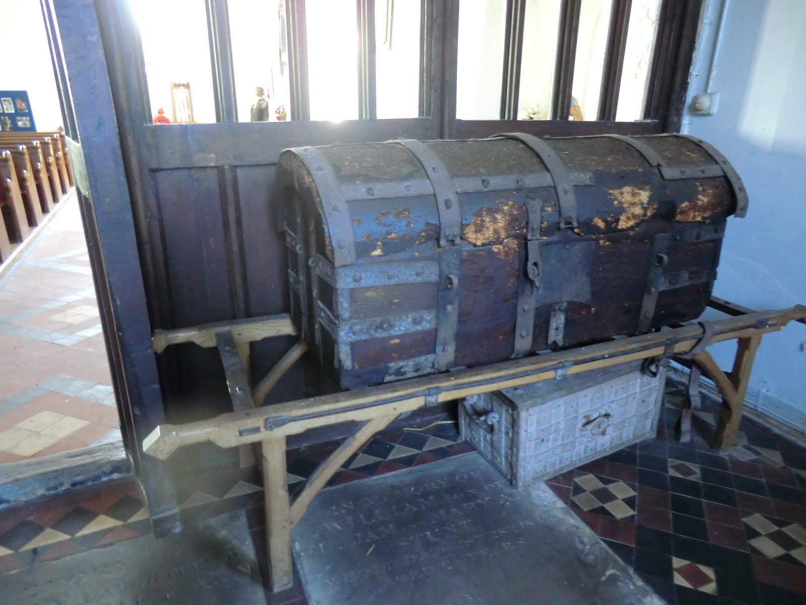 CIMG6647 Treasure chest, St Mary's