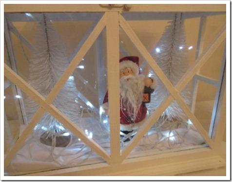 Large wooden Lantern Christmas scene 1