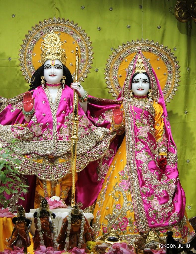 ISKCON Juhu Mangal Deity Darshan on 24th Aug 2016 (9)