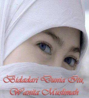 Muslimah Solehah Itu Karunia Terbaik Dari Allah SWT