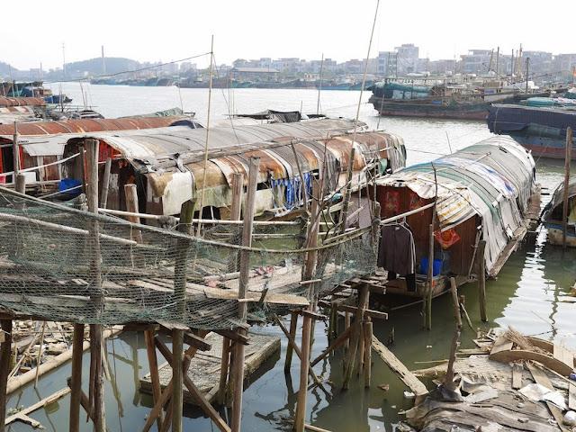 boat homes in Yangjiang
