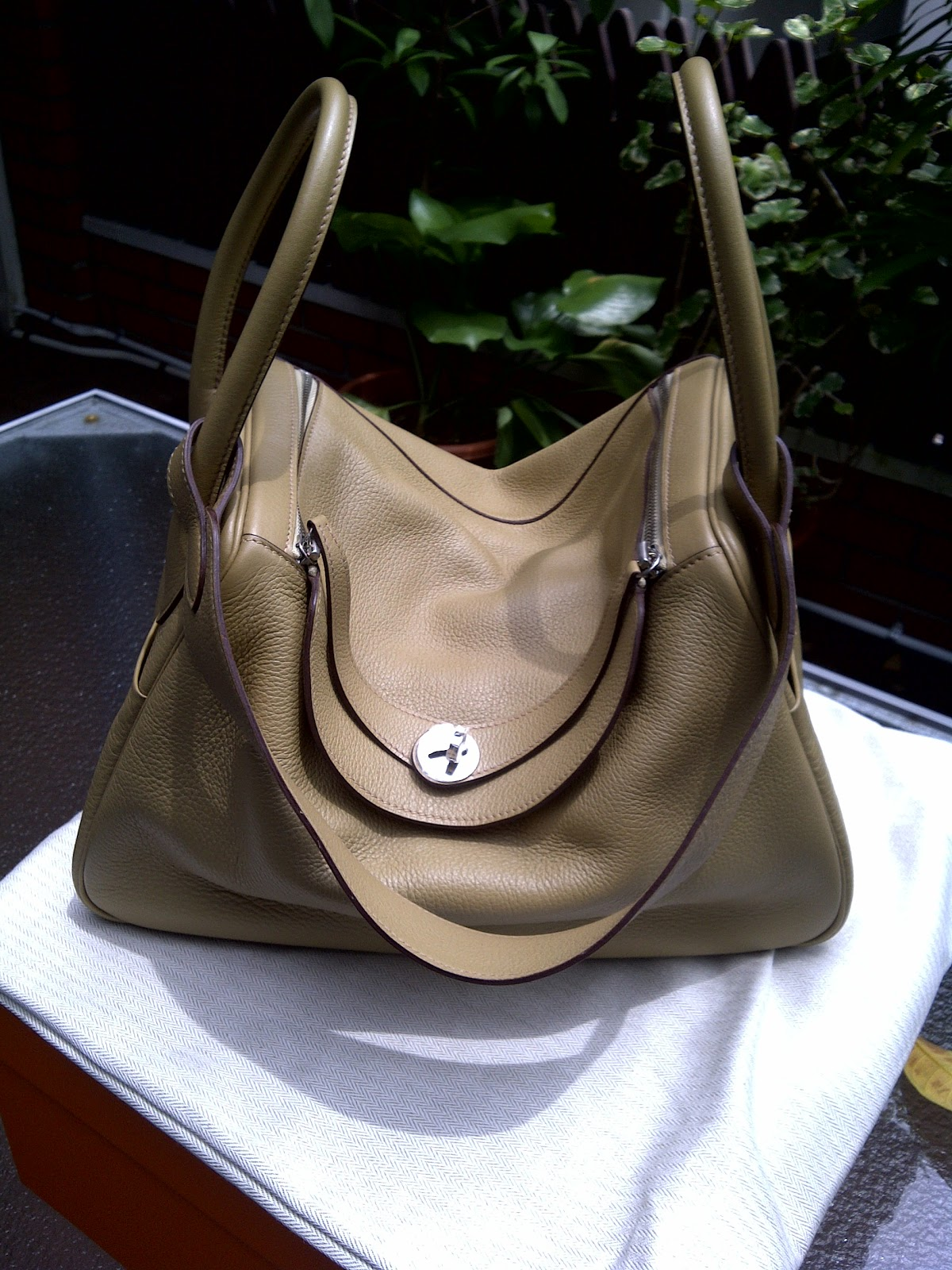 hermes kelly bag replica - Exquisite Boutique: Hermes Lindy Parchemin size 34 in Clemence ...