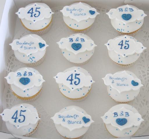 Boudewijn en Bianca Saffier huwelijk cupcakes.JPG