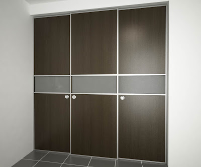 Puerta elaborada con material aglomerado for Closet de aluminio