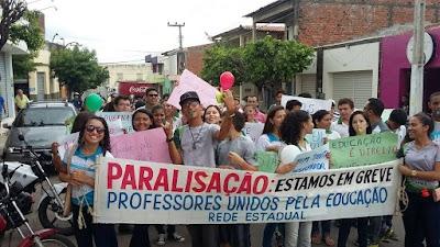 Manifestação em Várzea Alegre . Professores e alunos dia 11 (3).jpg