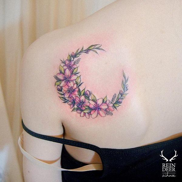 este_ombro_bela_aquarela_flor_da_tatuagem