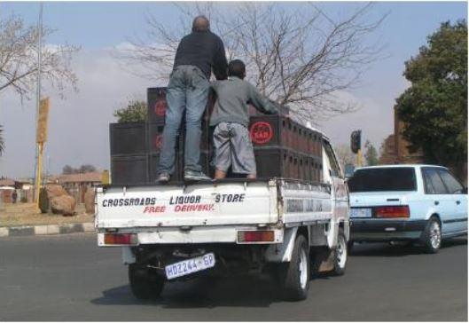 Vận tải bằng phương tiện tự có