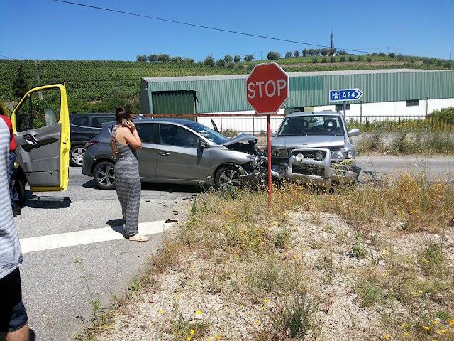Colisão frontal no cruzamento de Cambres faz quatro feridos envolvendo casal de nacionalidade luxemburguesa
