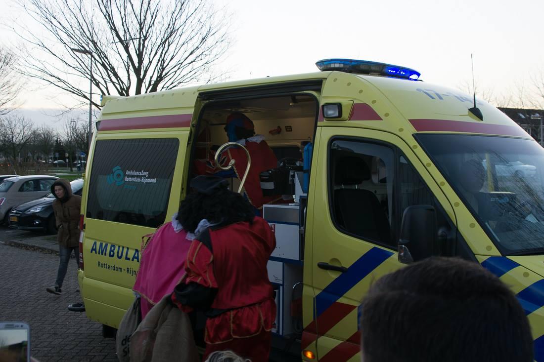 Sinterklaas aankomst bij OBS De Draaimolen Bachlaan 3.jpg