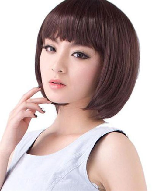 Korean short smooth hairstyles Stay natural black and straight, when you choose shorten and give it bangs, you make great decision without many effort to maximize your cute appearance.
