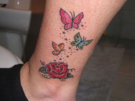 bonito_tatuagem_de_borboleta_no_p