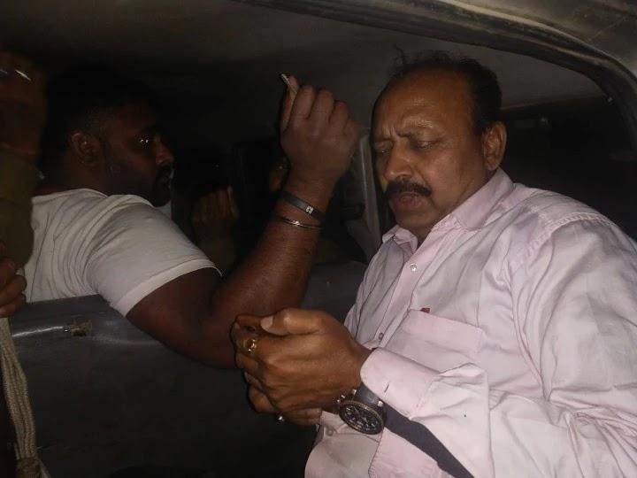 नशे में धुत अग्निशमन पदाधिकारी सड़क पर कर रहा था हंगामा, पुलिस ने किया गिरफ्तार