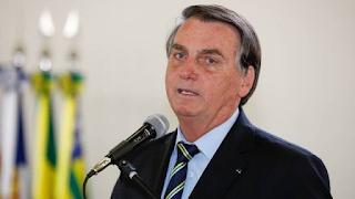 Bolsonaro prepara decreto que proíbe redes sociais de apagarem publicações