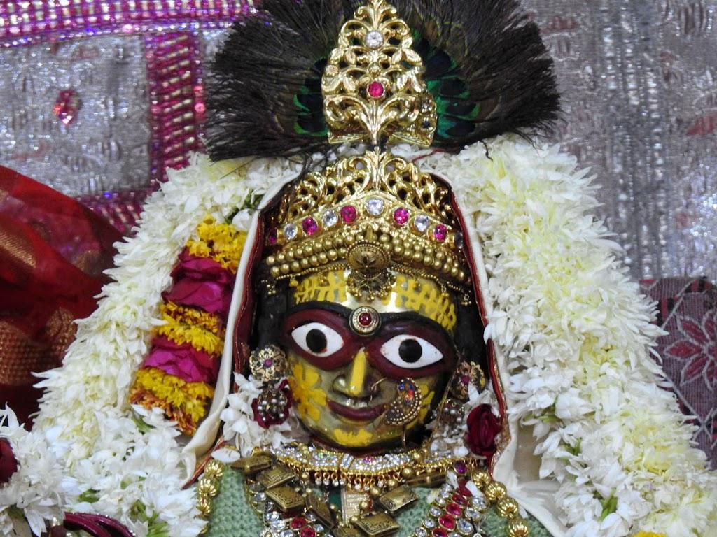 Radha Govind Devji Deity Darshan 02 Jan 2017 (6)