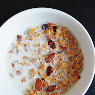 Homemade Granola-Easy Recipe with simple steps.
