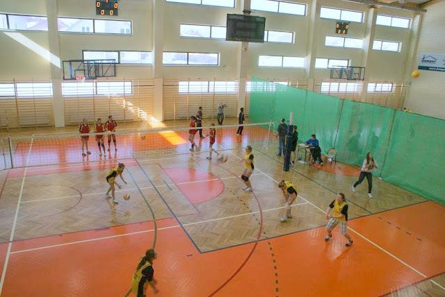 Zawody siatkarskie dziewczat 1 marca 2011 - DSC09356_1.JPG