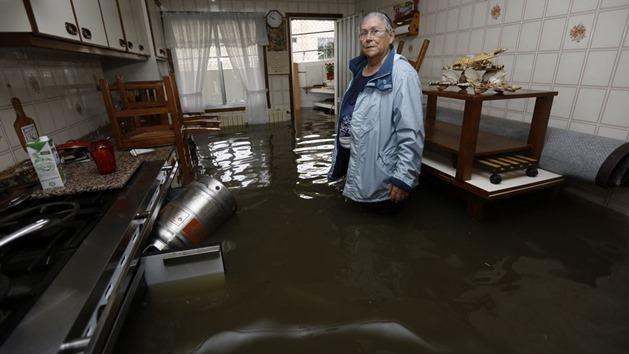 Casa completamente inundada en As Brañas, Sada