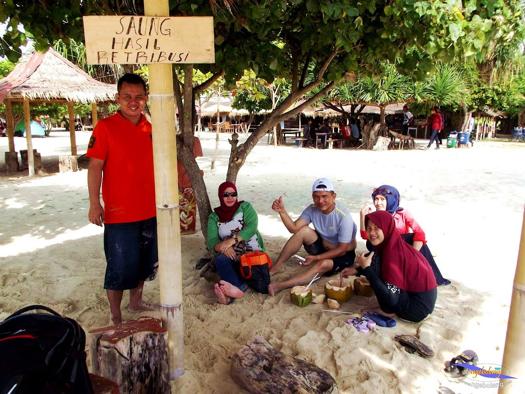 family trip pulau pari 090716 Fuji 082