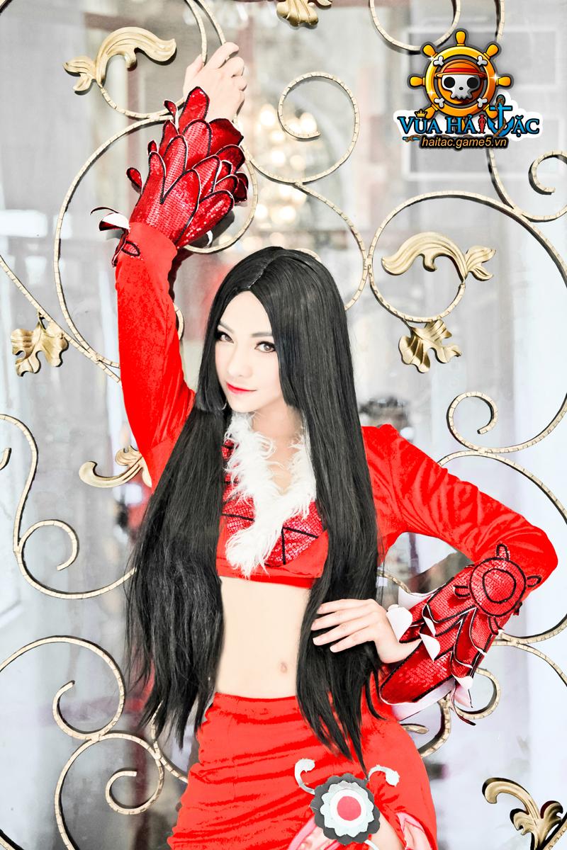 Ly Ba Lan quyến rũ với cosplay Boa Hancock - Ảnh 9
