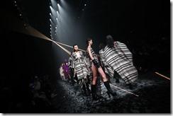 Mercedes-Benz China Fashion Week_GarethPugh18