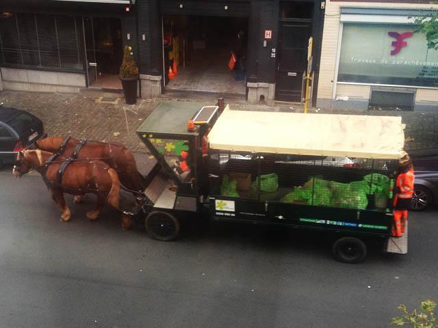 ゴミ収集馬車@ブリュッセル、ベルギー