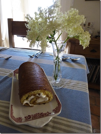 lemon and elderflower roll