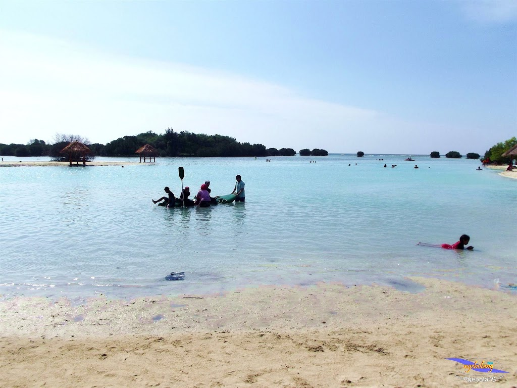 family trip pulau pari 090716 Fuji 072