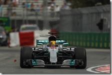 Lewis Hamilton nelle prove libere del gran premio del Canada 2017